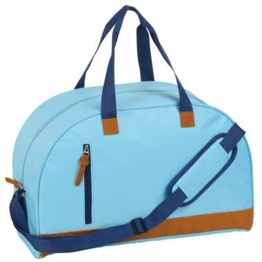 Weekendtas lichtblauw/bruin met schouderband 40 liter